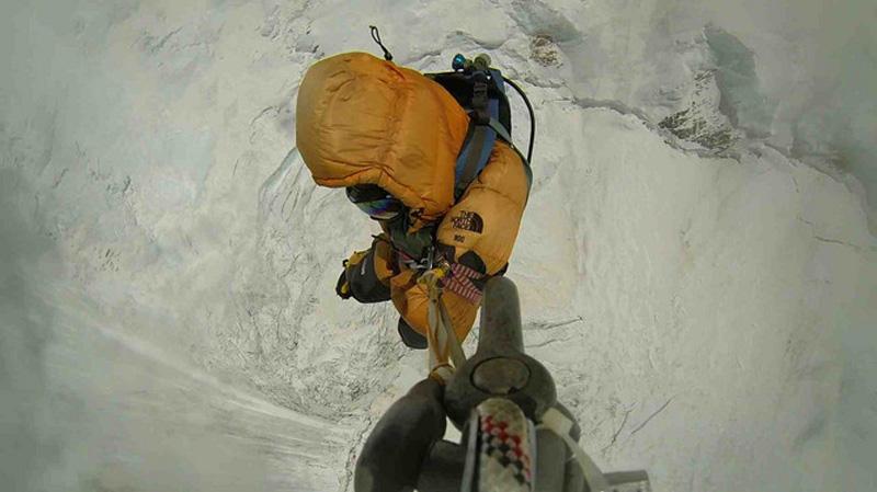 sauvetage par hélicoptère sur l'Everest