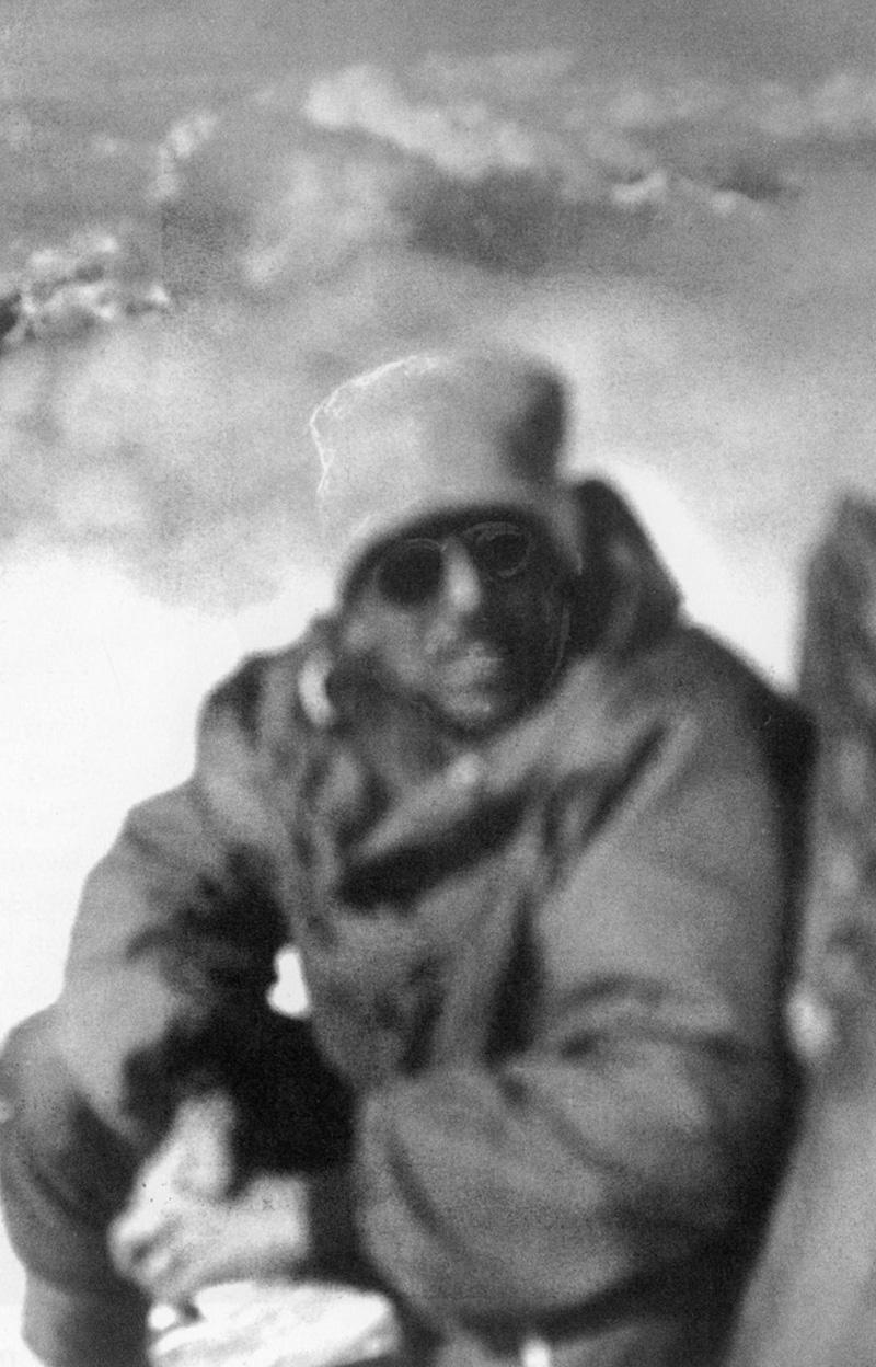 Louis Lachenal au sommet de l'Annapurna