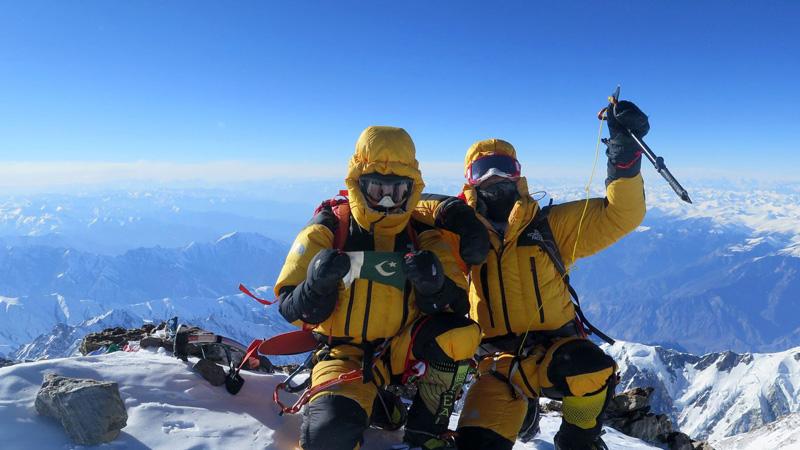 Ali Sadpara et Simone Moro au sommet du Nanga Parbat - février2016