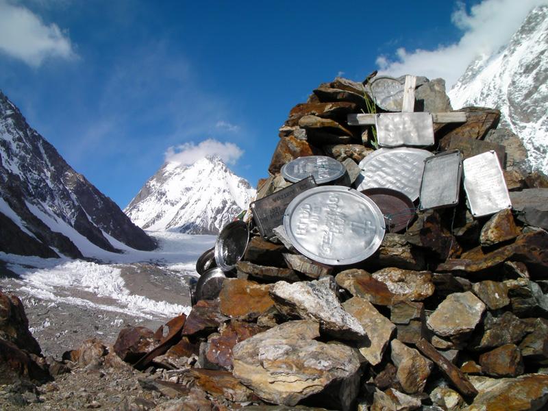 Mémorial Gilkey, camp de base du K2k2