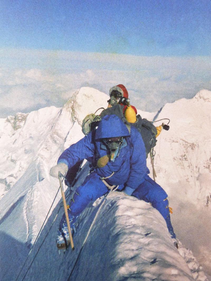 René Desmaison et Paul Keller au sommet du Jannu en 1962